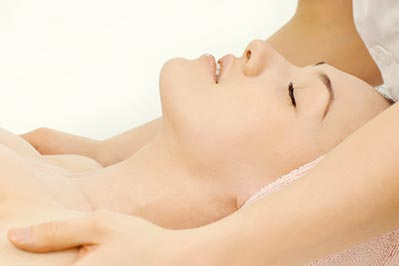 Couples massages package deal with relaxation massage and spa facial for her